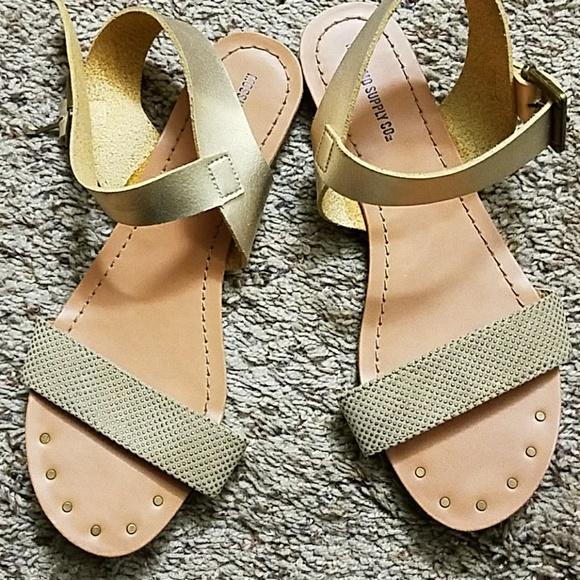 827a6b88d Cute two strap Sandals. M 5aed736172ea883f6947fdc2